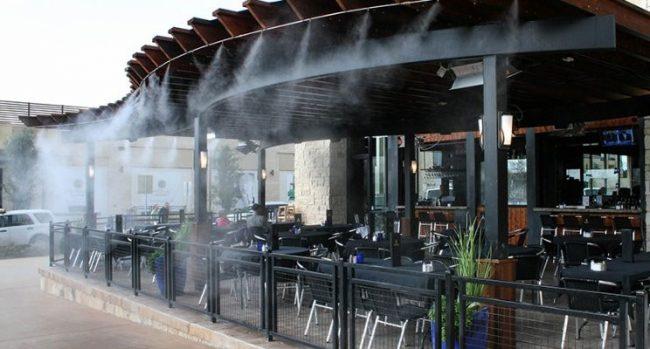 Phun sương làm mát cho cửa hàng, quán ăn, quán cafe Hiệu quả thực tế khi dùng hệ thống phun sương làm mát như thế nào?